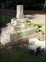 Memorial to John Ross